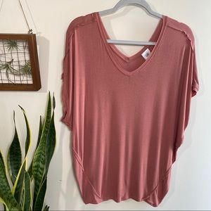 Cabi oversized comfy tee in mauve color small